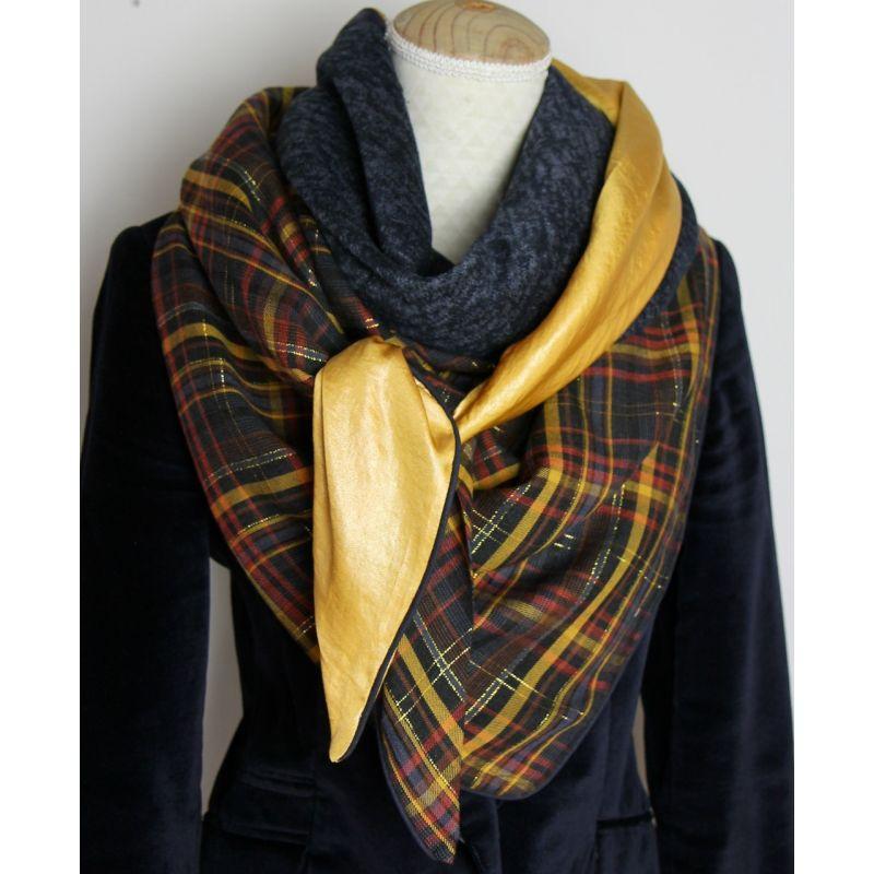 Foulard cousu or écossais