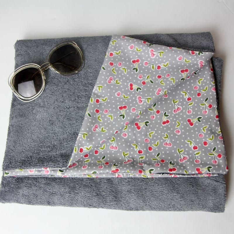 Kit essuie de plage cerises grises